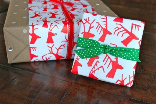 hch gift wrap lovelion