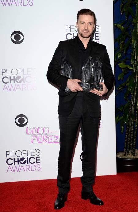 peoples-choice-awards-2014-justin-timberlake-red-carpet__oPt